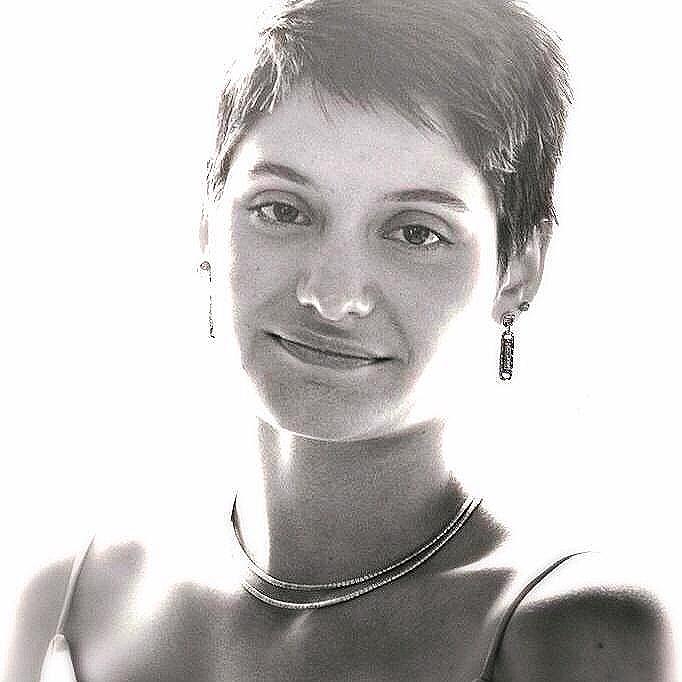 Miss Anna Tutor