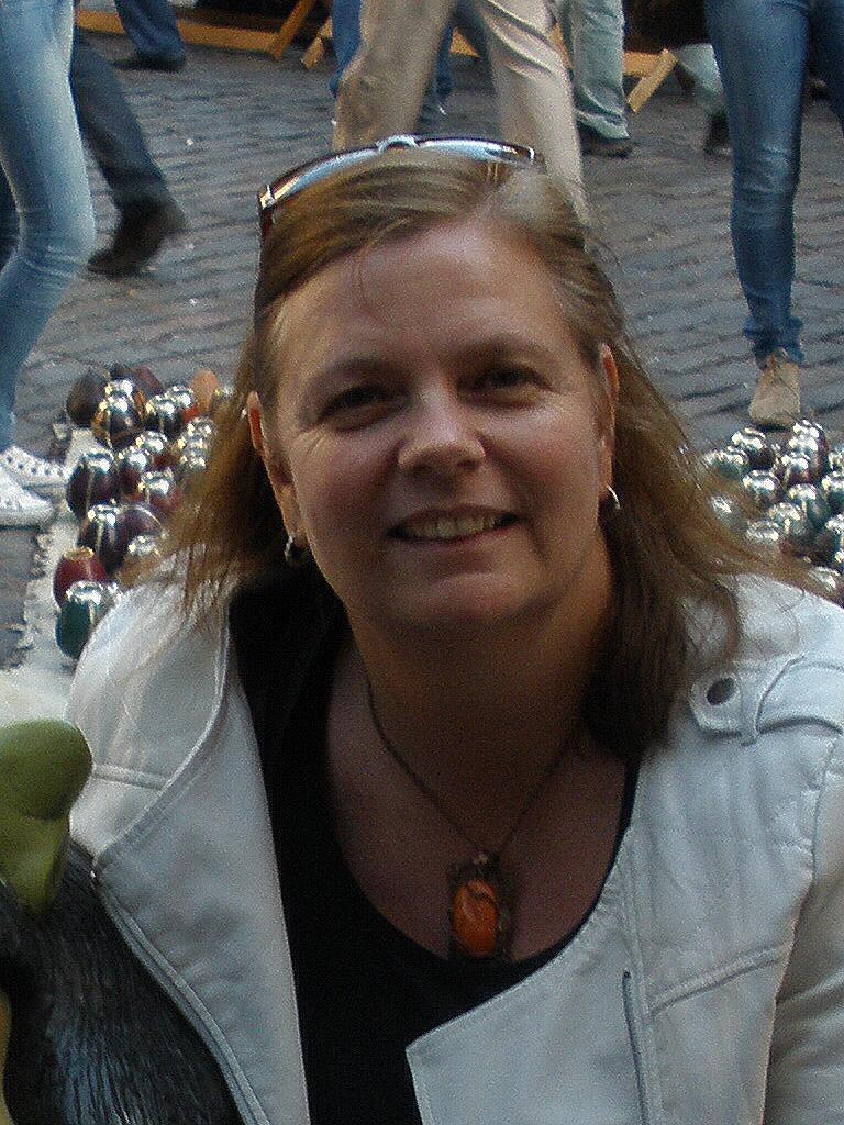 Ms. Helen Tutor