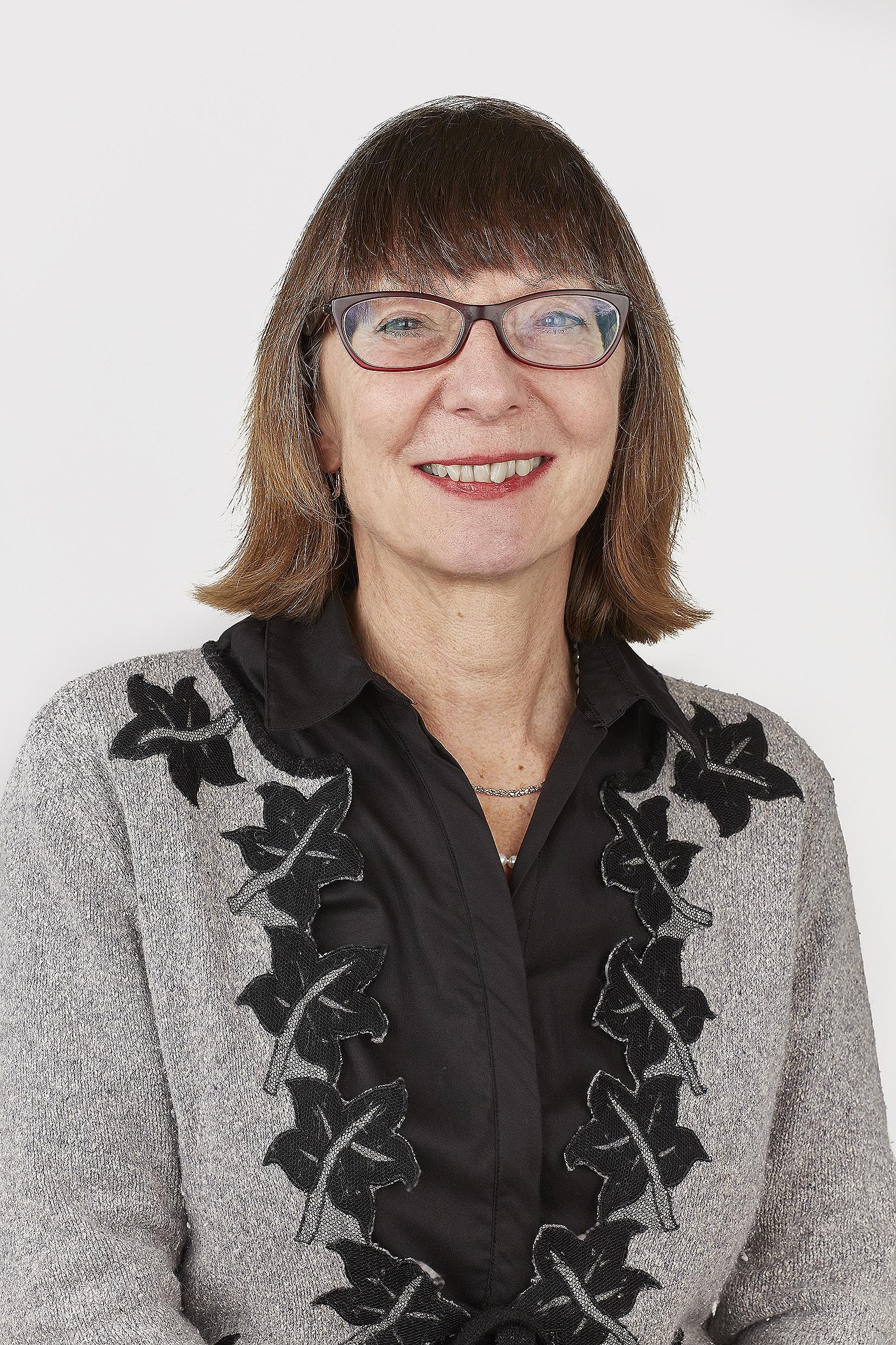 Mrs. STEPHANIE Tutor