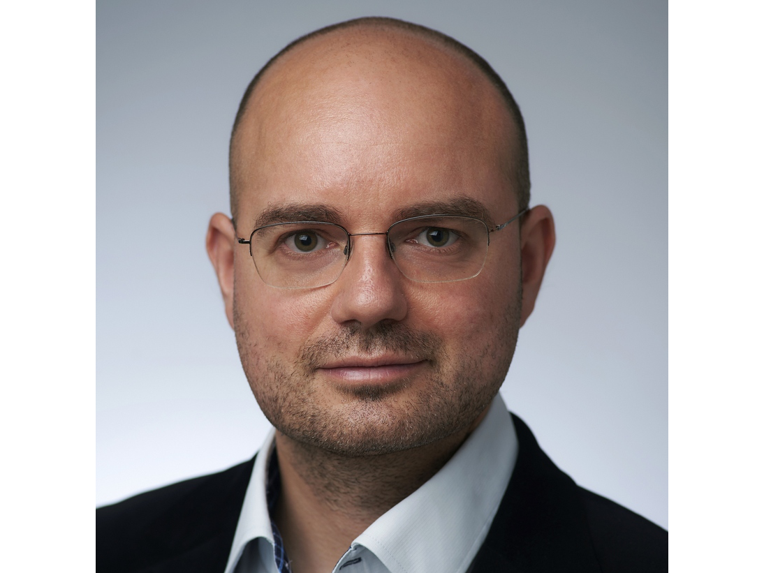 Mr. Imre Tutor